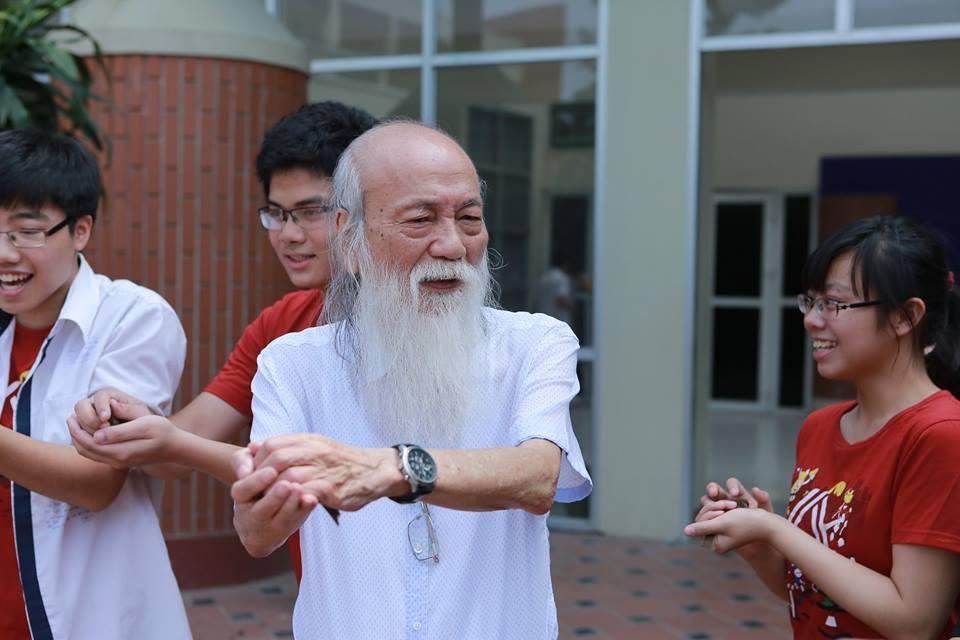 Thầy Văn Như Cương là người Thầy mẫu mực, gắn bó với bao thế hệ học sinh