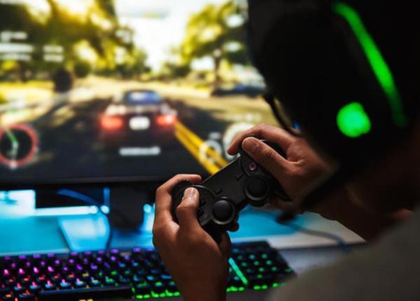 Sốc: Nam thanh niên 21 tuổi mắc bệnh tâm thần vì chơi game 10 giờ/ngày