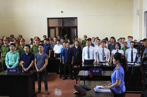 Cả phòng xử án vụ bác sĩ Lương nín thở nghe tòa tuyên án và cái kết…