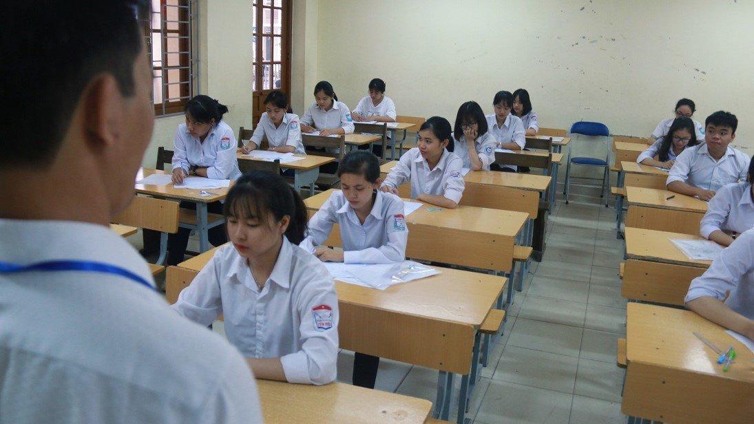Bộ Giáo dục dự kiến sẽ tổ chức Kỳ thi THPT Quốc gia năm 2019 ra sao? Điểm chuẩn tăng giảm ra sao sau 2 đợt điều chỉnh nguyện vọng xét tuyển? Nhiều trường Đại học hệ công lập tăng học phí của năm học 2018 – 2019