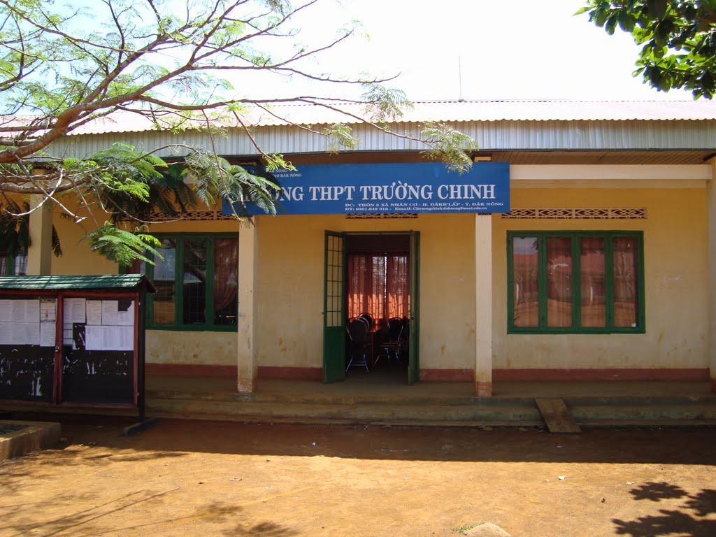 Mẹ của một thí sinh THPT Quốc gia năm 2018 tử vong trước cổng trường thi của con