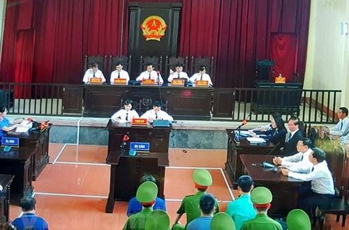 Vì sao TAND Hòa Bình không tuyên bác sĩ Lương vô tội vào ngày 5/6?