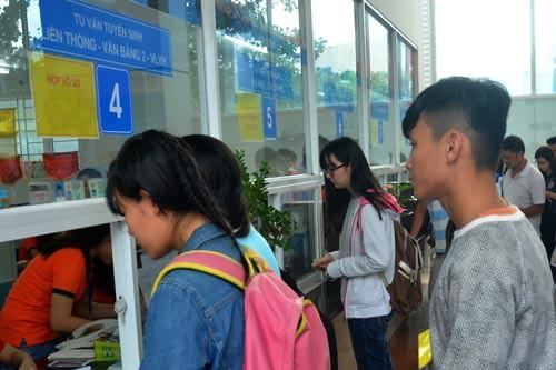 Quy định thi mới được liên thông khiến nhiều sinh viên TC, CĐ thắc mắc