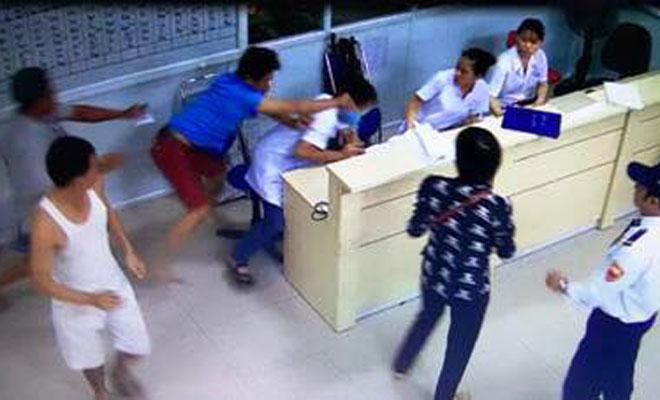 Nhân viên y tế bị hành hung liên tiếp xảy ra trong thời gian gần đây