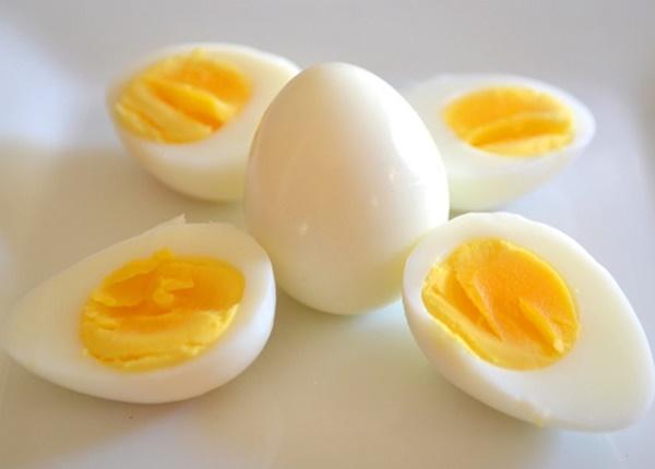 Cá cược ăn 50 quả trứng được 28 USD: Người đàn ông 42 tuổi chết vì bội thực