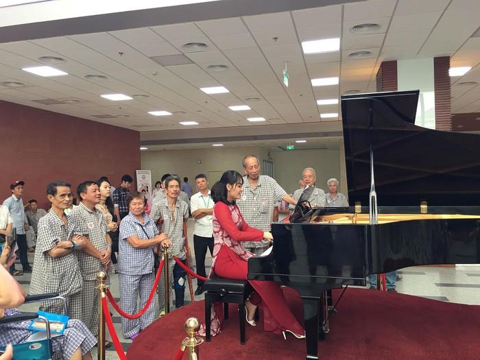 Phó Giám đốc BV 108 hé lộ về chiếc đàn piano đặc biệt phục vụ bệnh nhân