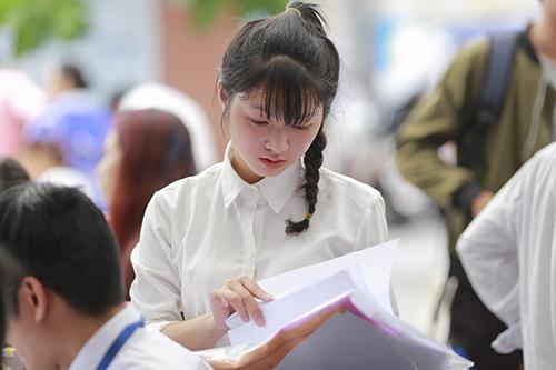 Bộ GD&ĐT công bố đáp án bài thi Toán – Văn – Tiếng Anh chính thức