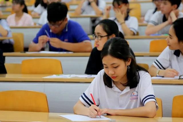 Thí sinh trong quá trình dự thi nếu có biểu hiện ho, sốt sẽ được bố trí thi tại phòng thi dự phòng tại điểm thi