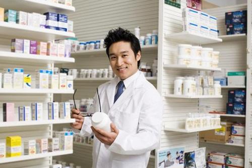 Dược sĩ nam tuổi nào kiếm tiền dễ nhất trong năm Đinh Dậu?