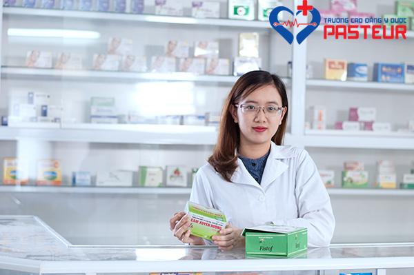 Giới thiệu sách giáo trình thực hành bán thuốc dành cho Dược sĩ