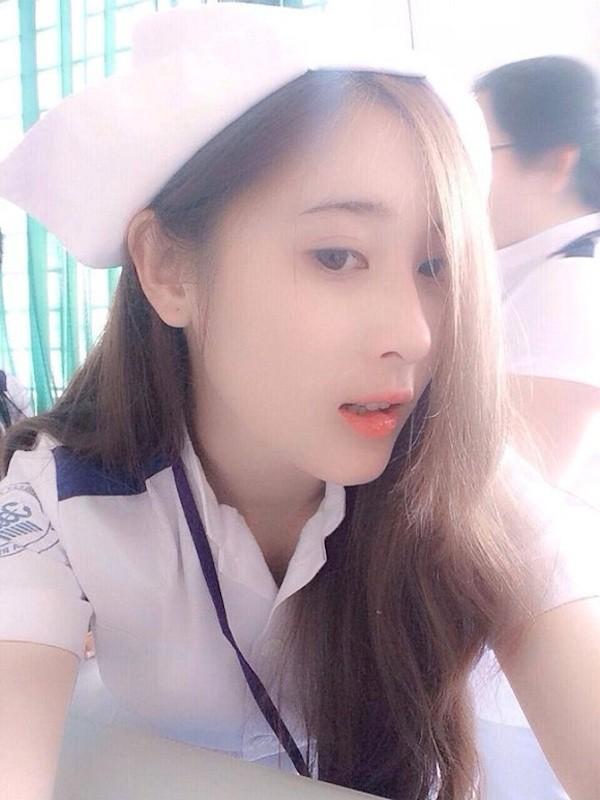Con gái học ngành Y cũng rất xinh !
