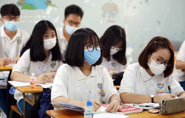 Đề thi môn Toán vào lớp 10 của 2 trường chuyên tại Hà Nội