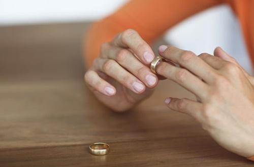 Điều Dưỡng mà lấy Bác sĩ thì trước sau gì cũng ly hôn!