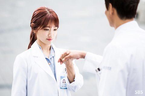 Bác sĩ và Dược sĩ tuổi nào cứ lấy nhau thì cả đời mạt vận, bất hạnh?