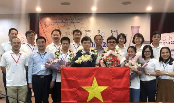 Việt Nam xuất sắc giành 4 huy chương vàng Olympic Hóa quốc tế 2020