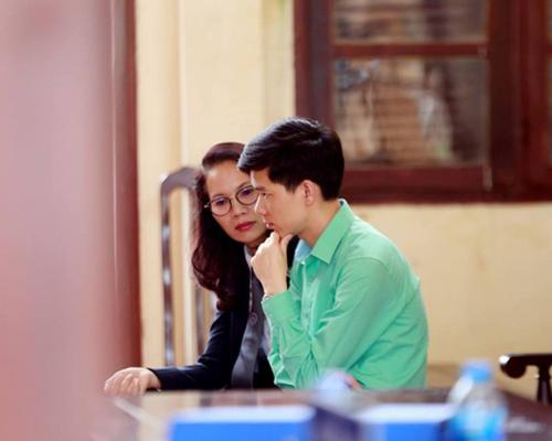 Luật sư bào chữa cho bác sĩ Lương yêu cầu HĐXX tuyên thân chủ vô tội