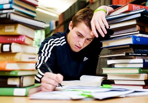 Cha mẹ cần biết: 40% học sinh bị rối loạn lo âu do thi cử