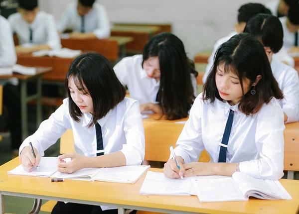 Nộp hồ sơ thi tốt nghiệp THPT và xét tuyển đại học chậm nhất vào khi nào?