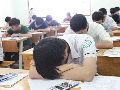 Teen 2k cần làm gì nếu vào phòng thi mà quên hết kiến thức?