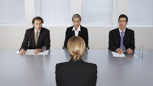 Kinh nghiệm và nhiều mối quan hệ chính là bí kíp giúp bạn dễ dàng tìm được việc
