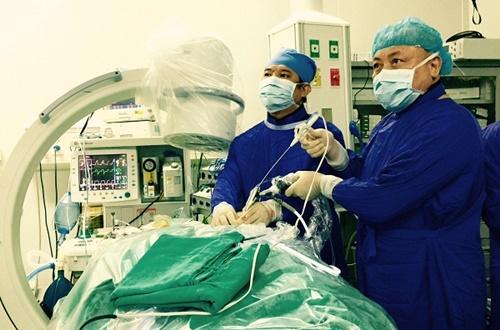 10 năm làm bác sĩ phẫu thuật, bác sĩ chưa bao giờ hết yêu công việc