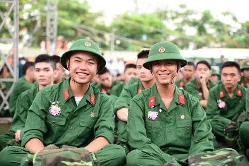 Trúng tuyển Cao đẳng - Đại học có phải đi nghĩa vụ quân sự không