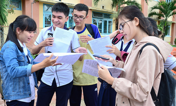 HOT: Đề thi Ngữ văn vào lớp 10 trường THPT chuyên Khoa học Tự nhiên
