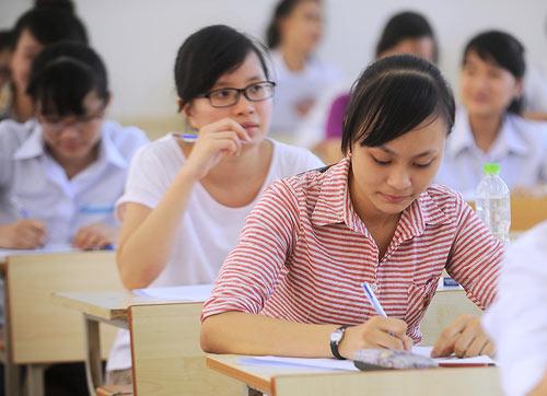 Chưa biết điểm thi THPT quốc gia có được nộp hồ sơ xét tuyển Cao đẳng Dược?