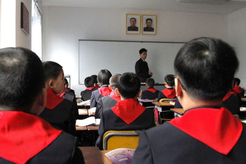 Chính phủ Triều Tiên trợ cấp học phí cho học sinh trong suốt 12 năm học