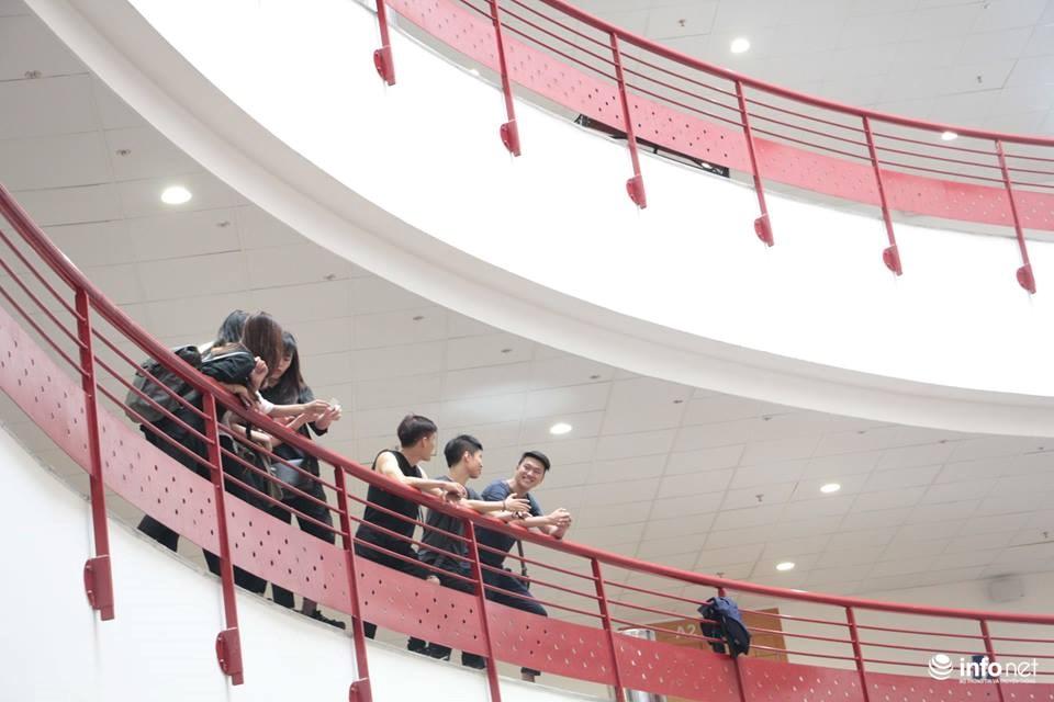 Tòa nhà với gần 150 phòng học hiện đại đáp ứng yêu cầu đào tạo nhân lực chất lượng cao của nhà trường