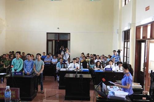 HOT: VKS thừa nhận có dấu hiệu đổ tội cho bác sĩ Hoàng Công Lương!