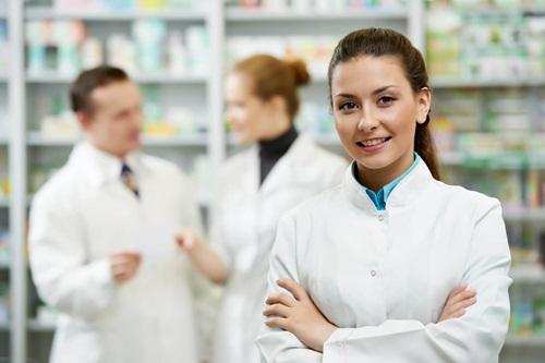 Nhiều cơ hội nghề nghiệp cho sinh viên tốt nghiệp Cao đẳng Dược