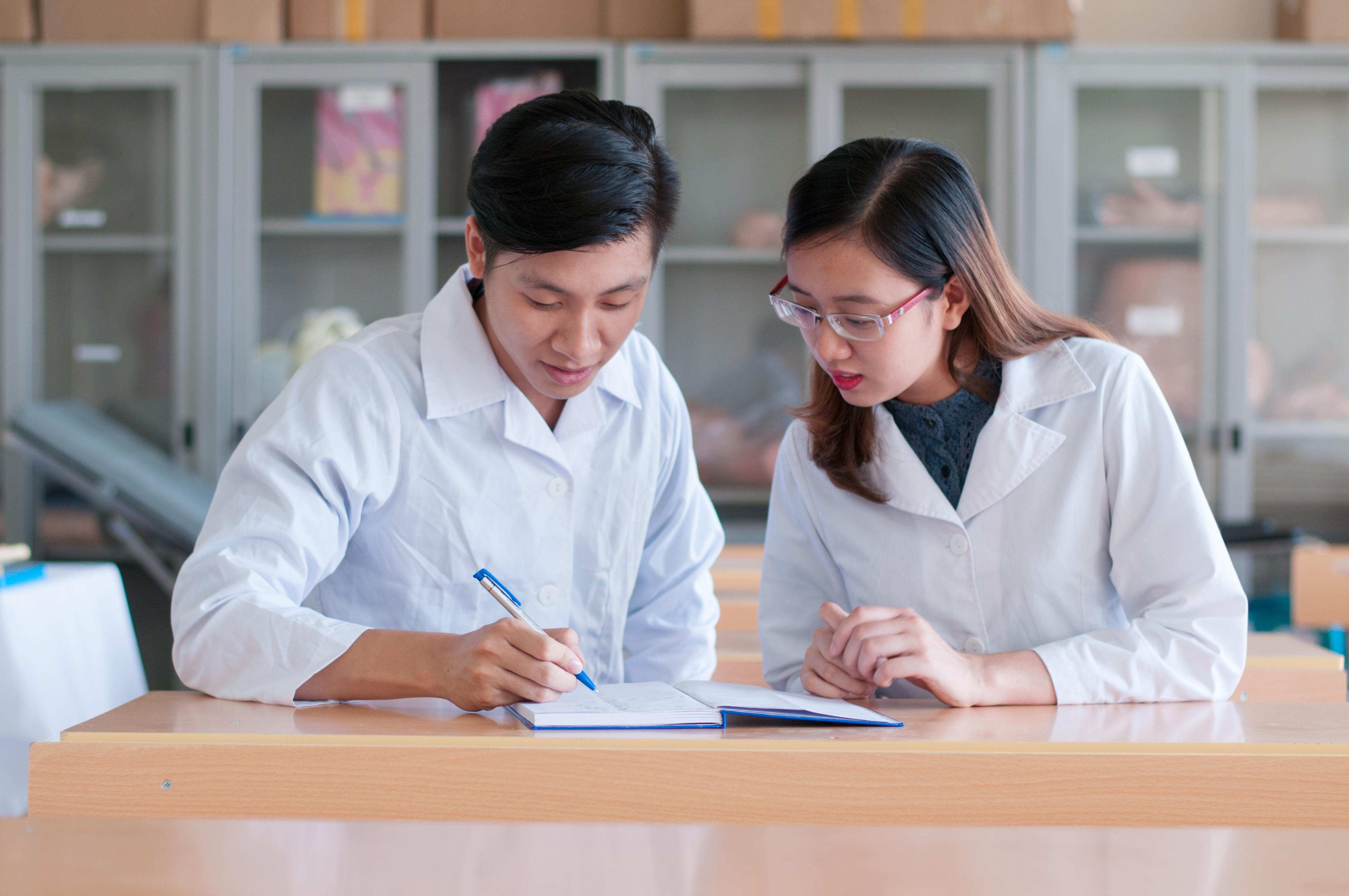Sinh viên tốt nghiệp Đại học Y Dược phải thi chứng chỉ hành nghề