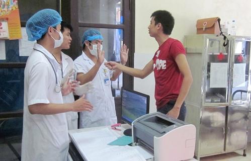 Bác sĩ Việt Nam bị hành hung ngày càng nhiều