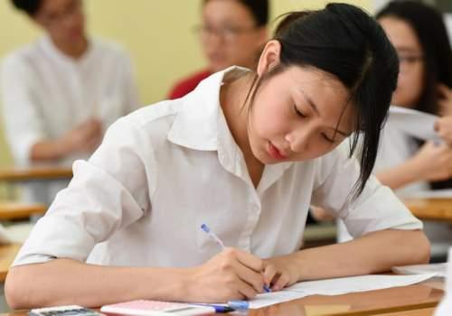 """Học sinh """"sốc"""" trước phương án thi THPT Quốc gia năm 2018 của Bộ GD&ĐT"""