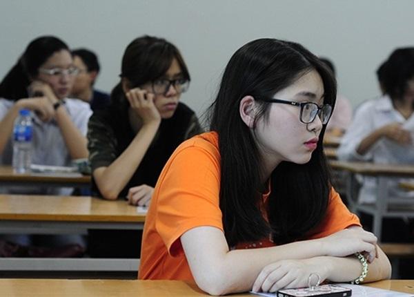 Nữ sinh đủ điểm đỗ ĐH Dược Hà Nội nhưng trượt vì thiếu điểm học bạ