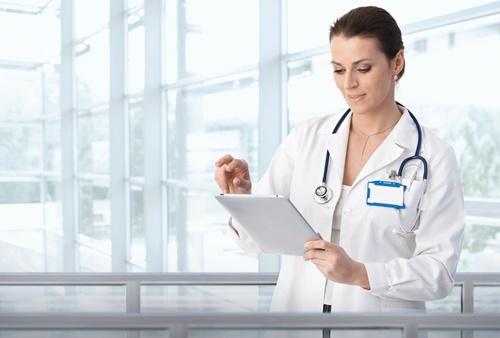 Người có văn bằng Bác sĩ, Dược sĩ tương đương bậc 7 có thể học lên Tiến sĩ