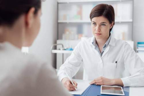 6 nỗi khổ của Dược sĩ bán thuốc không phải ai cũng hiểu!