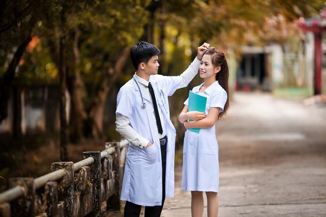 Nhất định phải học ngành Y vì thích lấy chồng Bác sĩ