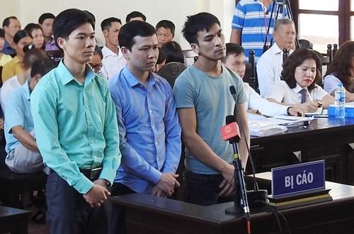 Quyết định khởi tố ông Hoàng Đình Khiếu, Phó GĐ BVĐK Hòa Bình