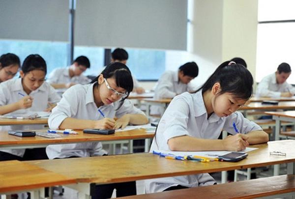 Thí sinh sẽ thi 3 bài thi bắt buộc và 1 bài tự chọn