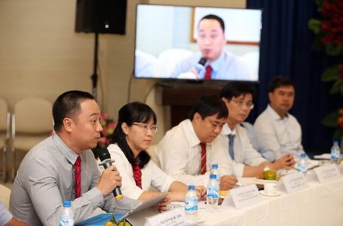 Tiến sĩ Nguyễn Quốc Anh phát biểu trong tọa đàm