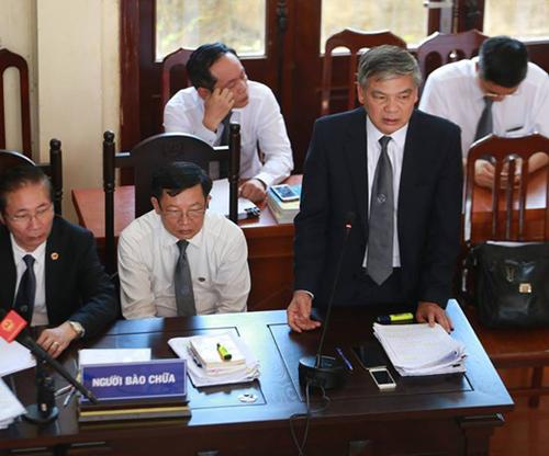 """Luật sư của BS Lương: """"Không trả hồ sơ, đề nghị tuyên bác sĩ Lương vô tội"""""""