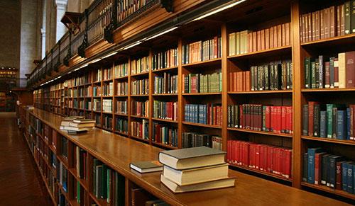 Sử dụng sách thư viện giúp tân sinh viên tiết kiệm được một khoản chi phí lớn