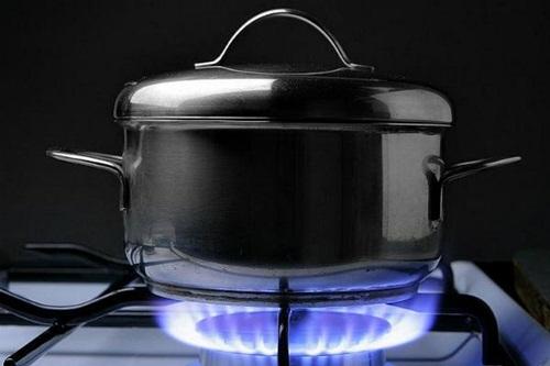 Tuyệt chiêu tiết kiệm gas cho các bà nội trợ thời bão giá
