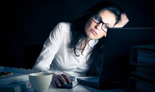 Thói quen thức khuya giết chết sức khỏe của sinh viên