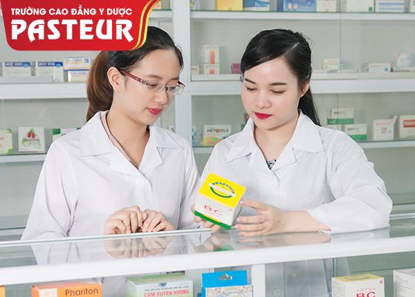 Thuê bằng Dược sĩ mở quầy thuốc bị phạt như thế nào?