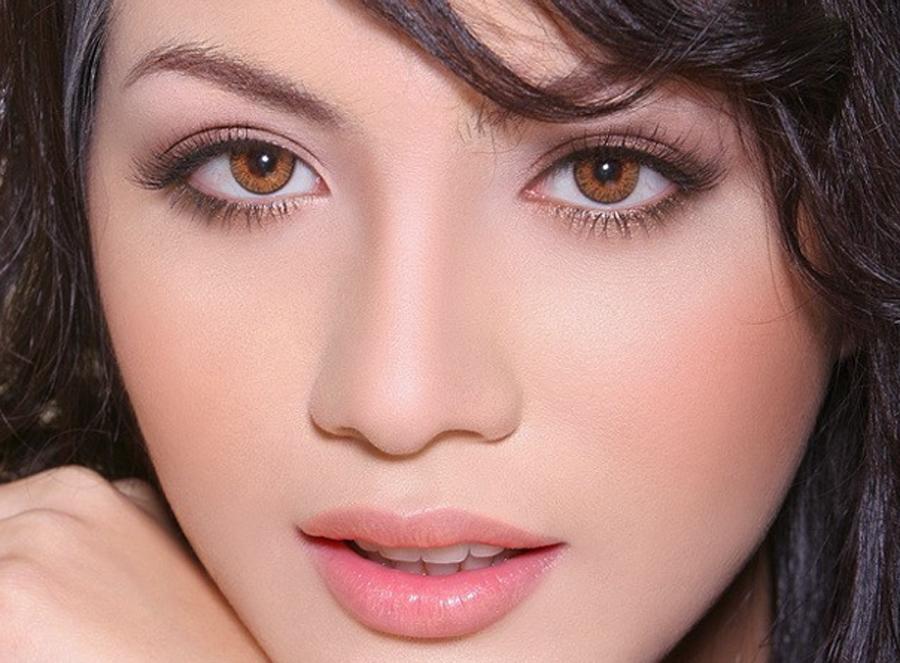 Đôi mắt đẹp của dân ngành Y là khí chất hiếm có