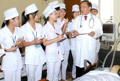 Cơ sở muốn đào tạo Bác sĩ, Dược sĩ phải đáp ứng điều kiện của Bộ Y tế