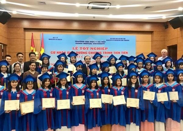 Thí sinh giỏi ngoại ngữ sẽ được ưu tiên xét tuyển vào các trường Y Dược